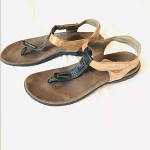 Taos thong storyteller sandals leather
